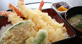 イクラ丼 (香の物・味噌汁付き)